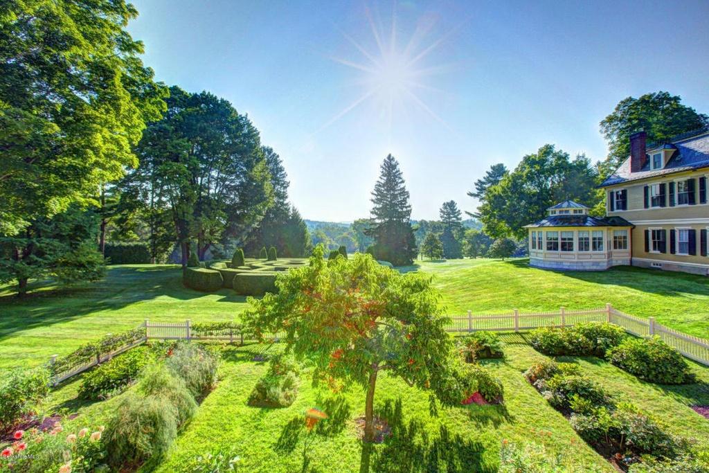 southmayd_gardens