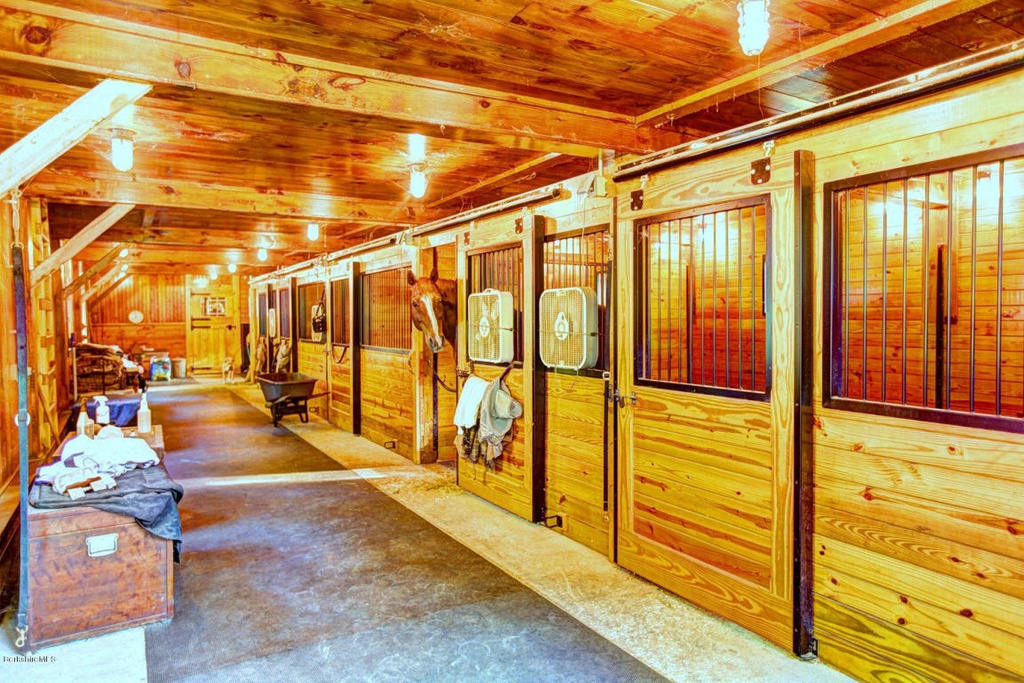 southmayd_stables