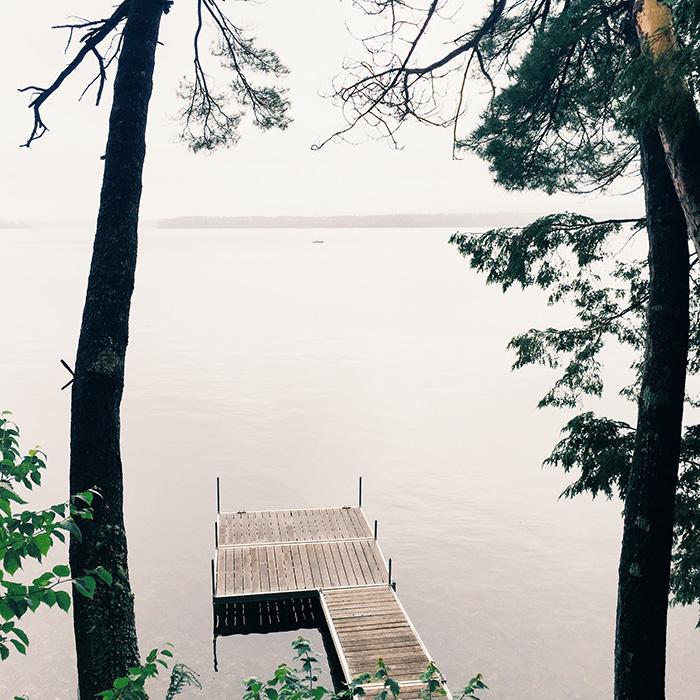 Misty_morning_great_pond_belgrade_lakes_Maine